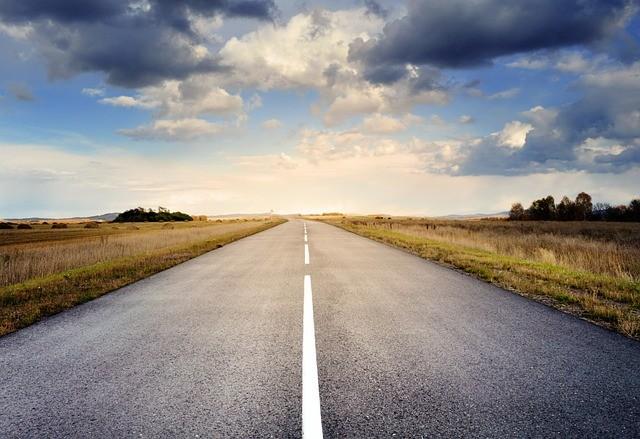 road-220058_640.jpg